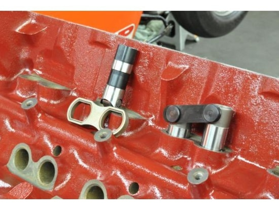 KNOW THE DIFFERENCE BETWEEN MECHANICAL AND HYDRAULIC VALVE LIFTERS