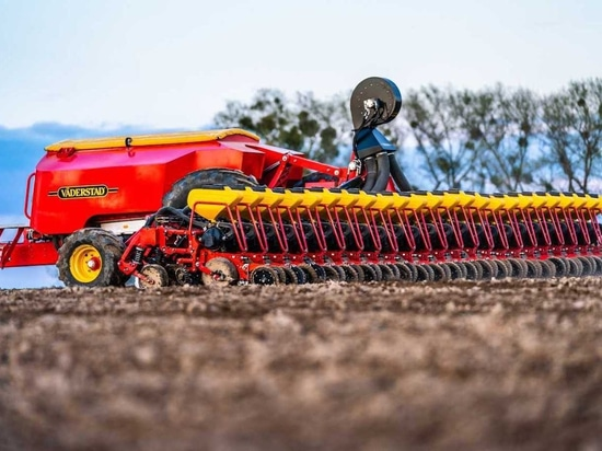Vaderstad launches largest high speed small seed precision planter