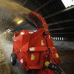 impagliatrice trainata / montata su trattore / per balle rotonde