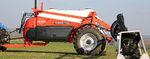 pulverizador para grandes áreas de cultivo / de arrasto / com braços retráteis / centrífugo