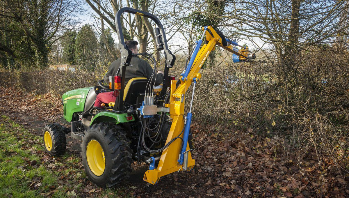 Rear-mount boom mower / flail - Microklippa series - BOMFORD