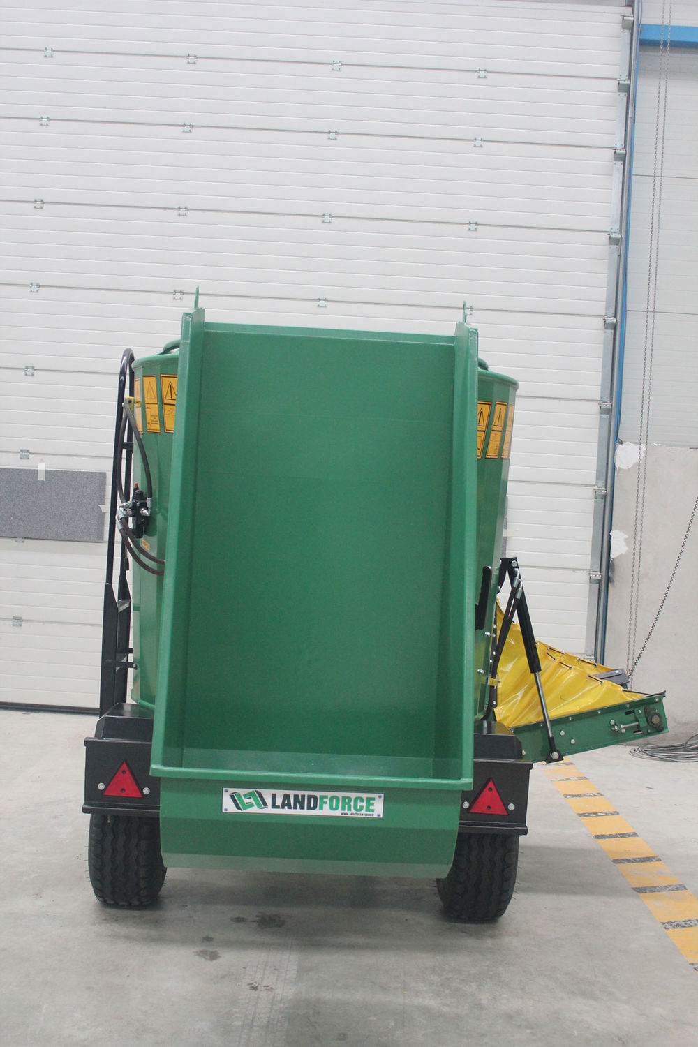 Vertical feed mixer / trailed / PTO-driven - MTALL Sac