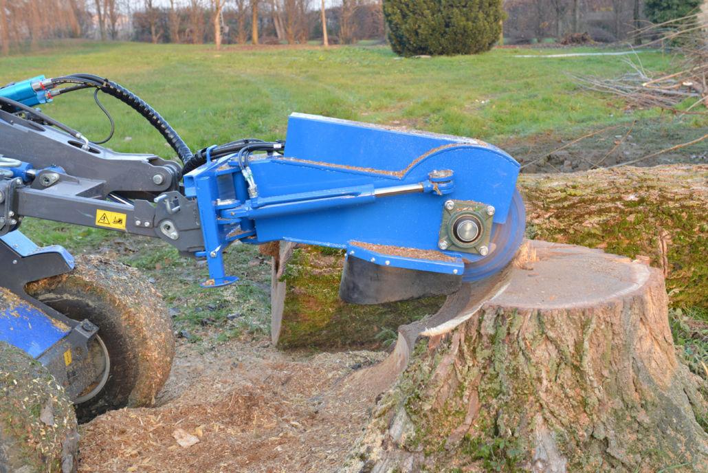 Skid steer loader stump grinder / hydraulic drive - MULTIONE