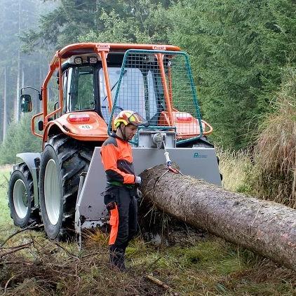 Mechanically-operated forestry winch - Pfanzelt Maschinenbau
