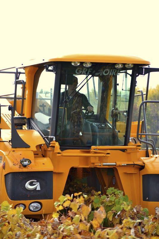 Olive harvester / self-propelled - G9 330 - Gregoire SAS