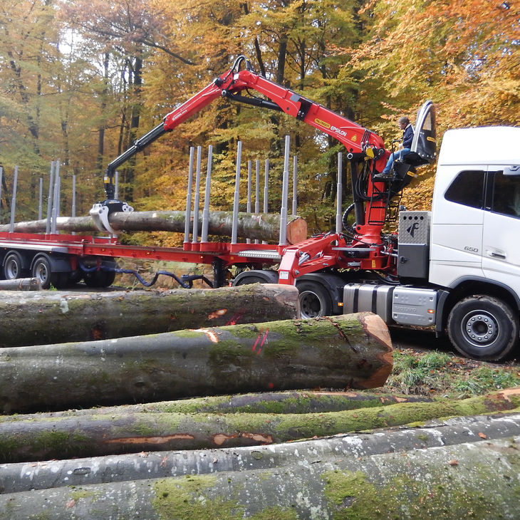 Truck-mounted forestry crane / knuckle boom - S Series
