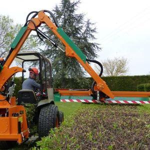 hydraulic hedge trimmer
