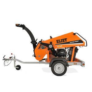towed wood chipper / gasoline engine