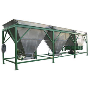 fertilizer blender with continuous weighing