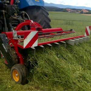 rear-mount hay conditioner / tine / 3-point hitch / central