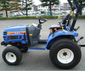 sub-compact tractor / hydrostatic / compact / with ROPS
