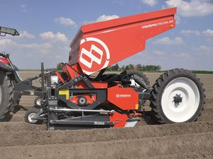 4-row precision seed drill
