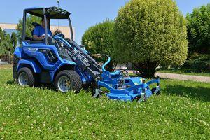 zero-turn lawn mower