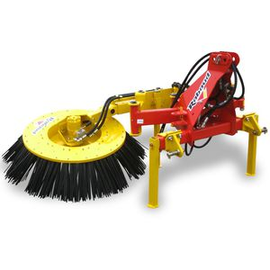 mounted sweeper / barn / aligning