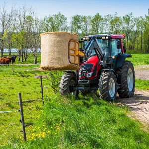 power-shift tractor
