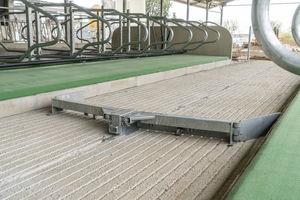 wire rope manure scraper