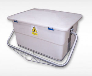 polyethylene waste bin / for carcasses