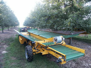 Almond tree shaker - All the agricultural manufacturers - Videos