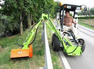 side-mount reach mower / flail