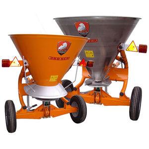 trailed fertilizer spreader