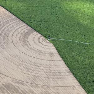 center irrigation pivot / diesel / solar / electric