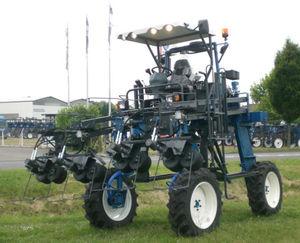 self-propelled detasseler / straddle / 4-row / 6-row