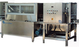 tray cleaning unit