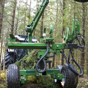 one-piece delimber / for deciduous trees / for resinous shafts / tractor-mounted