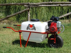 wheeled sprayer / for arboriculture / farm building / thermal