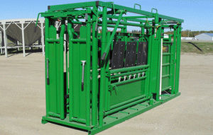 cattle squeeze chute / mobile / with adjustable alley