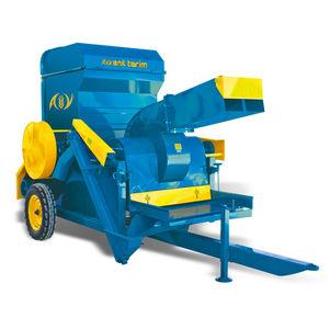 wheat threshing machine / trailed