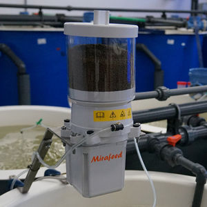 hopper feeding system / for aquaculture / Larvae / fish nursery