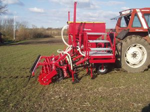 pneumatic seed drill / cultivator-mounted