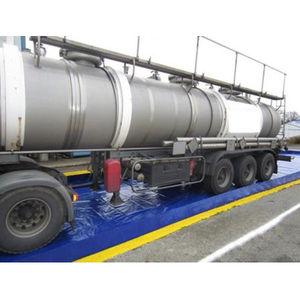 crop sprayer filling station