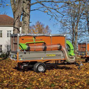 trailed leaf vacuum