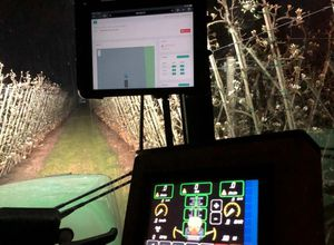 crop input controller / GPS / with touchscreen / spraying