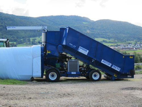 silage press