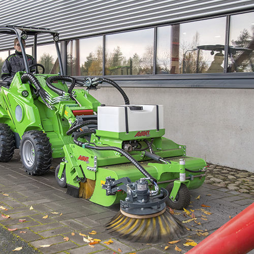 mounted sweeper / groundcare