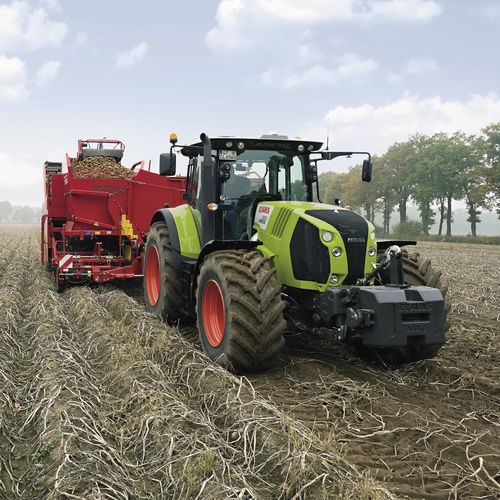 power-shift tractor / continuously variable / with cab
