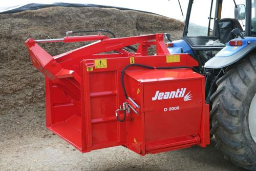 feeding silage cutter / tractor-mounted
