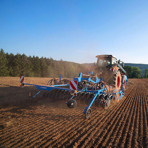 hopper seed drill