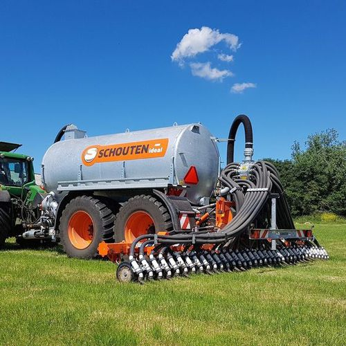 tractor-mounted slurry injector