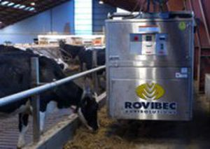 cattle feed distributor / robotic / mobile