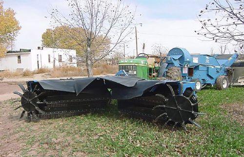 tractor-mounted sweeper / groundcare / nuts / front-mount