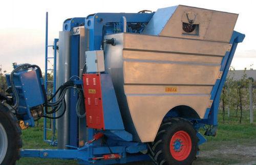 trailed grape harvesting machine