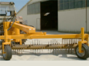 stone rake / rotary / center delivery