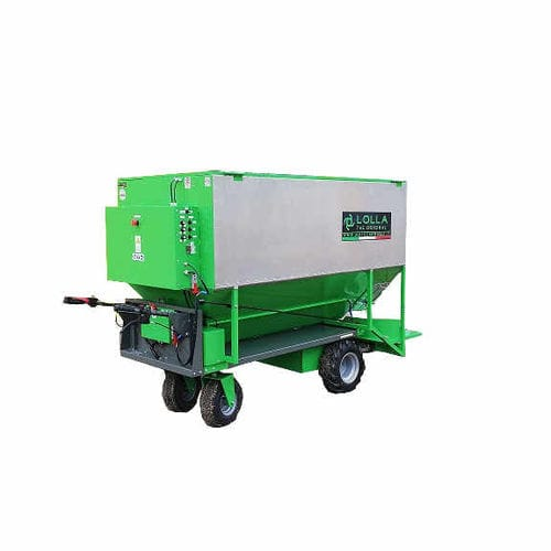 poultry feed distributor / semi-automatic / mobile