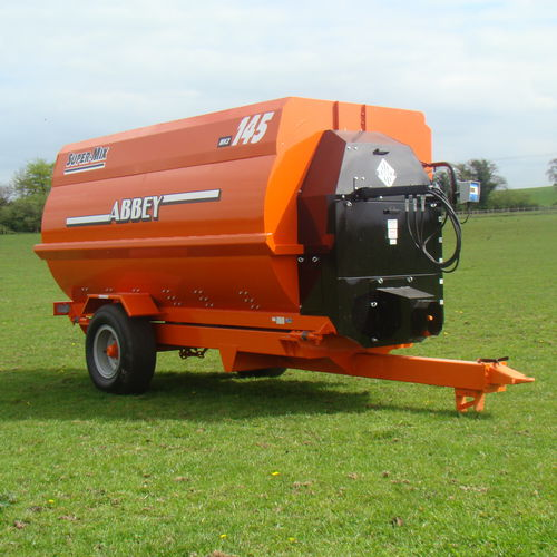 horizontal feed mixer / trailed / feeding / single-auger