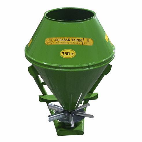 mounted fertilizer applicator / centrifugal
