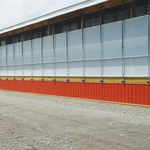 wind protection curtain / for livestock farming